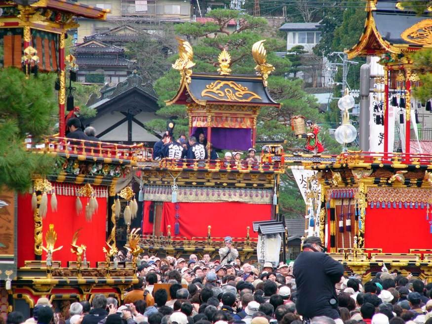 Takayama Matsuri (高山 祭 り), một trong những lễ hội nổi tiếng nhất Nhật Bản.