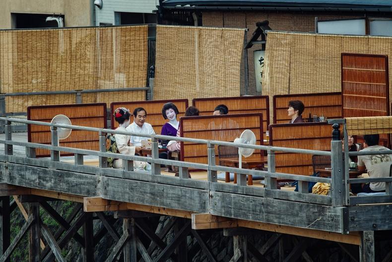 Hanamachi - Distritos Gueixa em Kyoto - kamogawa hanamachi 3