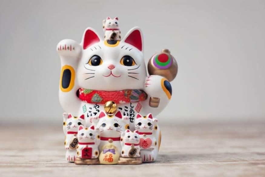 Maneki Neko - Chat porte-bonheur japonais - Signification et origine