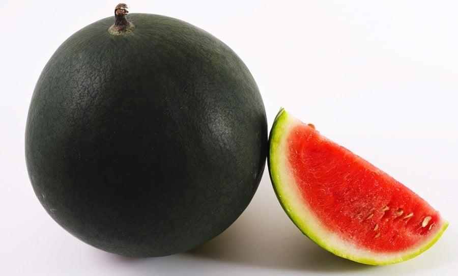 A melancia quadrada e as frutas mais caras do japão