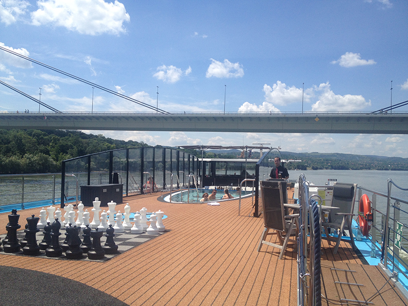 AmaPrima deck and pool