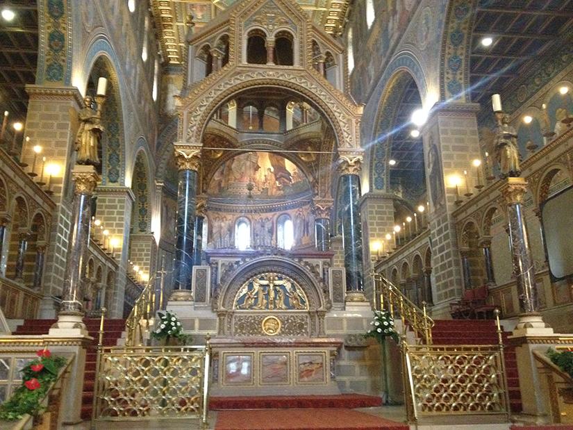 Inside St. Peter's Basilica, Pec