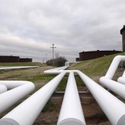 Enbridge asks government to support pipeline battle with Michigan