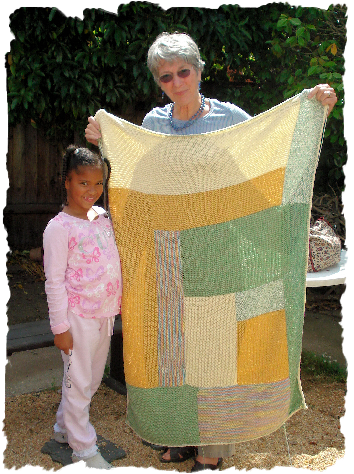 Nina and her granddaughter and Moderne Baby Blanket
