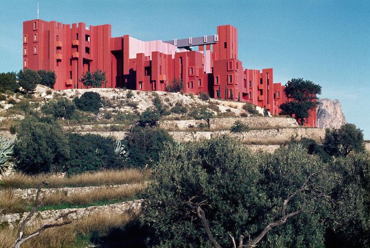 Muralla_Roja_Calpe_Spain_Ricardo_Bofill_Taller_Arquitectura_27
