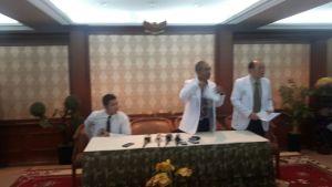 Direktur dan perwakilan RS Karya Medika II