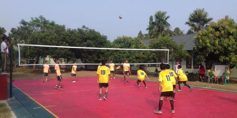 Yonarmed 9 Kostrad Gelar Turnamen Bola Voli Pelajar Se Purwakarta