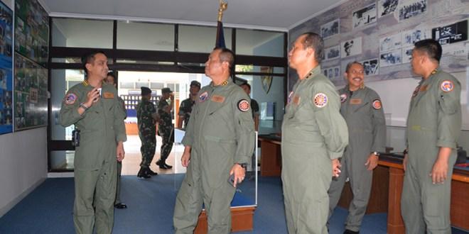 Dankodiklat TNI Laksanakan Kunjungan Kerja ke Lanud Adisutjipto
