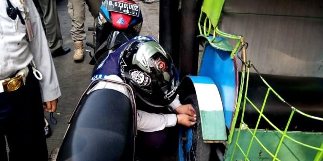 Penataan Lintas Jalan Inspeksi di Tertibkan Petugas Gabungan Kecamatan Kemayoran