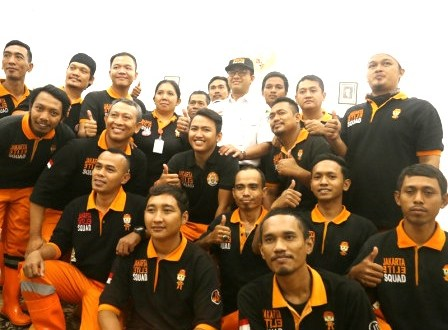 Gubernur DKI Terima Tim Elite Squade PPSU Sumbang Korban Palu
