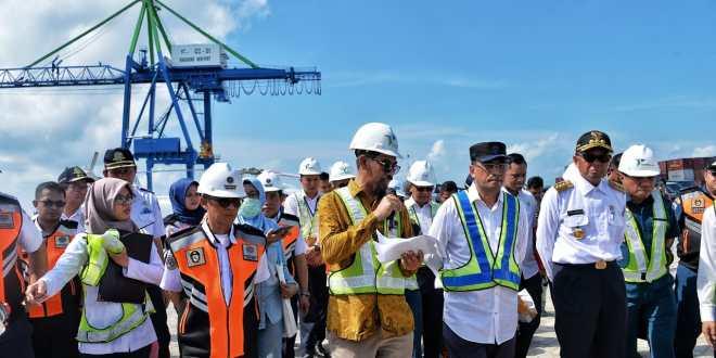 Tinjau Makassar New Port, Menhub Minta Pelindo IV Tingkatkan Layanan
