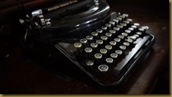 typewriter by Richard Edwards FreePicturesAZ