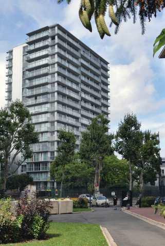 2011, Tour Bois le Prêtre, 100 logements, 75017 Frédéric Druot / Lacaton & Vassal, architectes © Javier Arpa