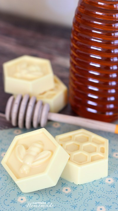 Happiness is Homemade 10-Minute-DIY-Milk-Honey-Soap