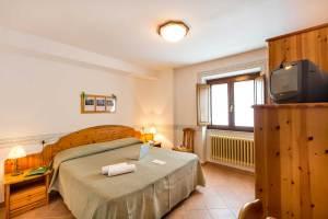 Hotel Trieste bedroom