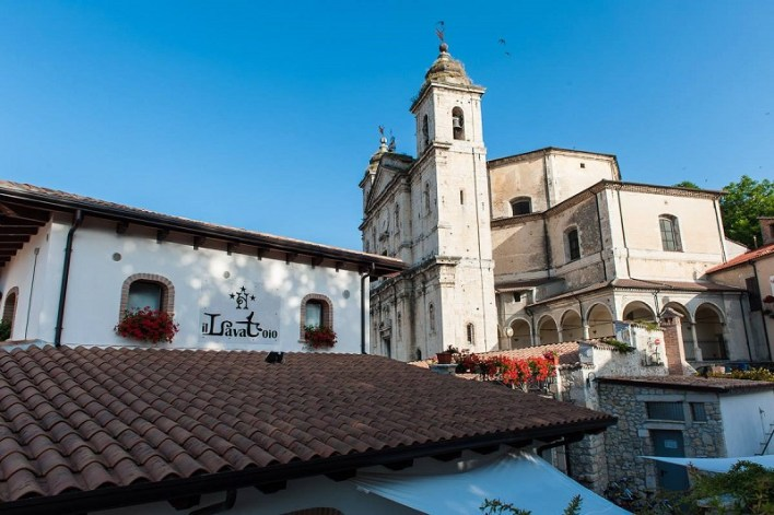 The great value Hotel Il Lavatoio exterior in summer