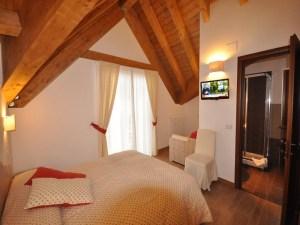La Pinetina Residence bedroom