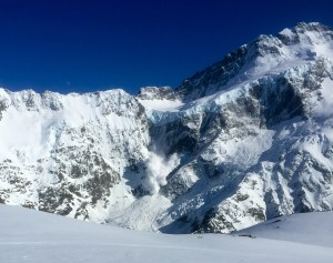 Icefall avalanche off Mount Sefton