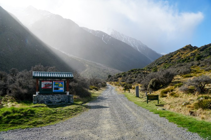 Leaving the Tasman Lake carpark to head up the old Ball Road.
