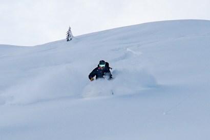 Joel Skiing Asulkan