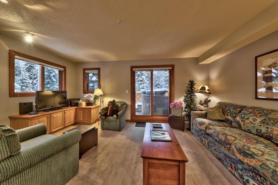 Timberline Village 2 Bedroom Unit #14 LR