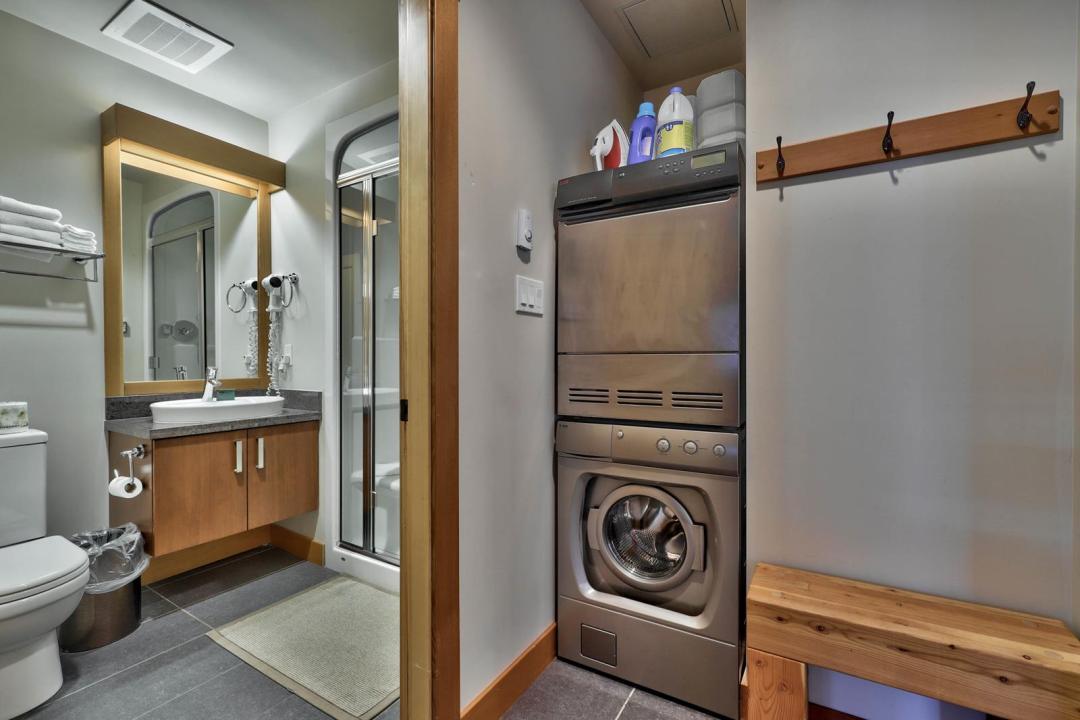 Kookaburra Lodge 1 Bedroom Unit #202 LDRY