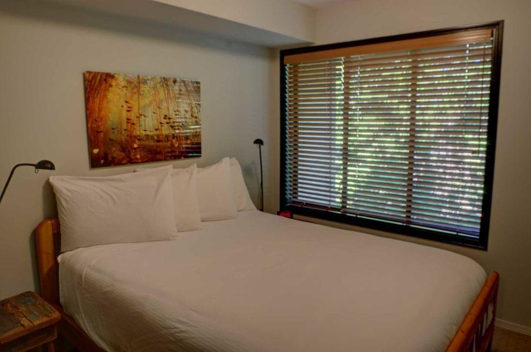 3 Bedroom Powderhorn Blackcomb Benchlands (10)