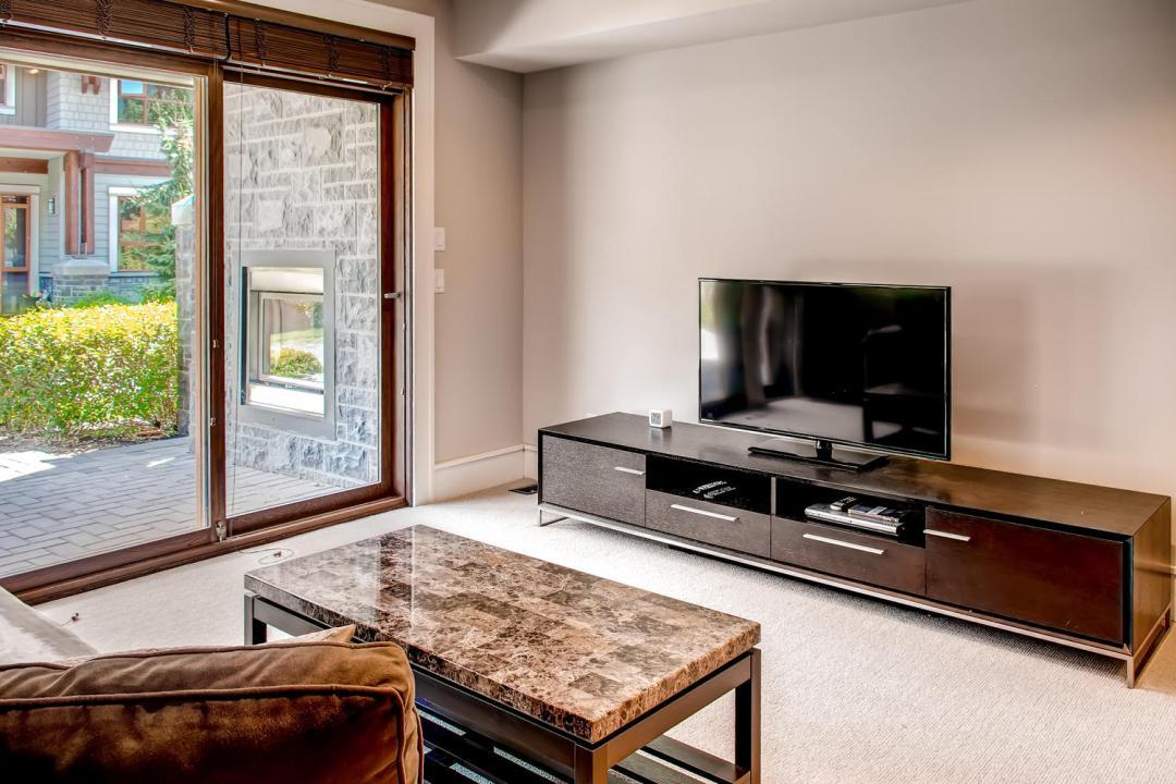 4 Bedroom Fitzsimmons Walk Whistler Luxury Rental (30)