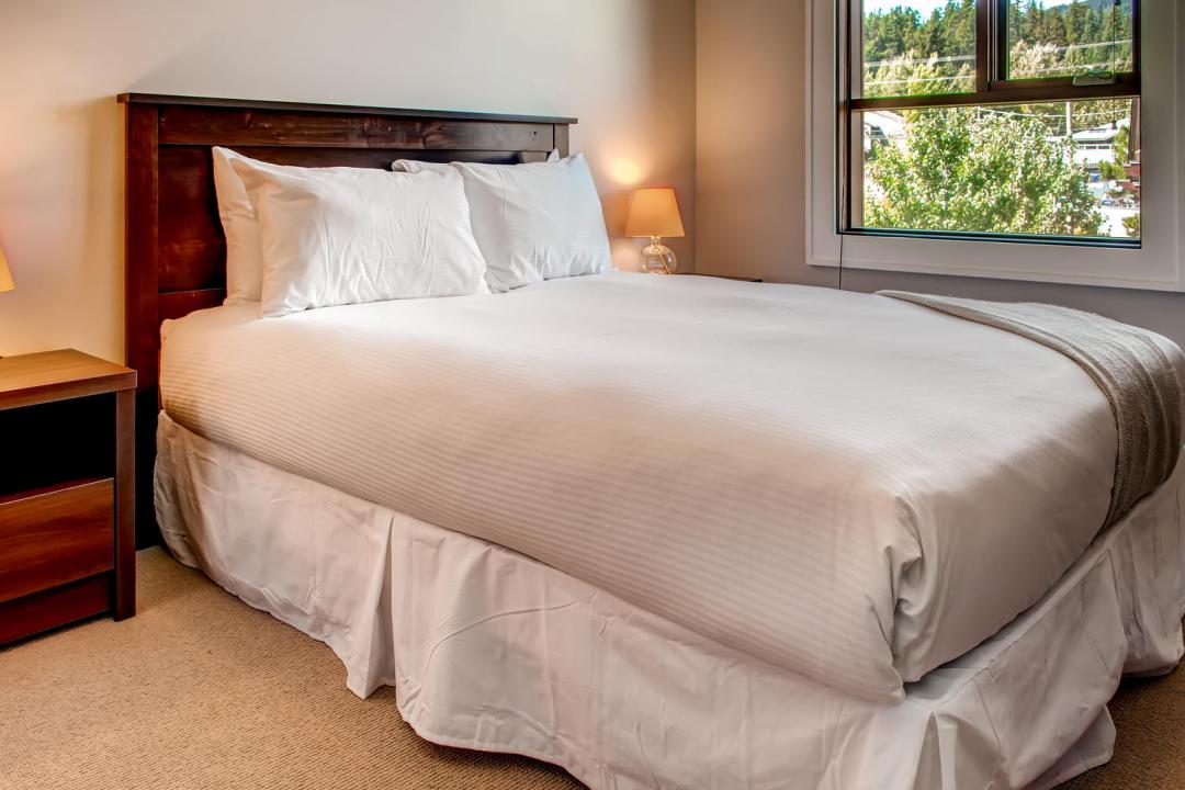 4 Bedroom Fitzsimmons Walk Whistler Luxury Rental (44)