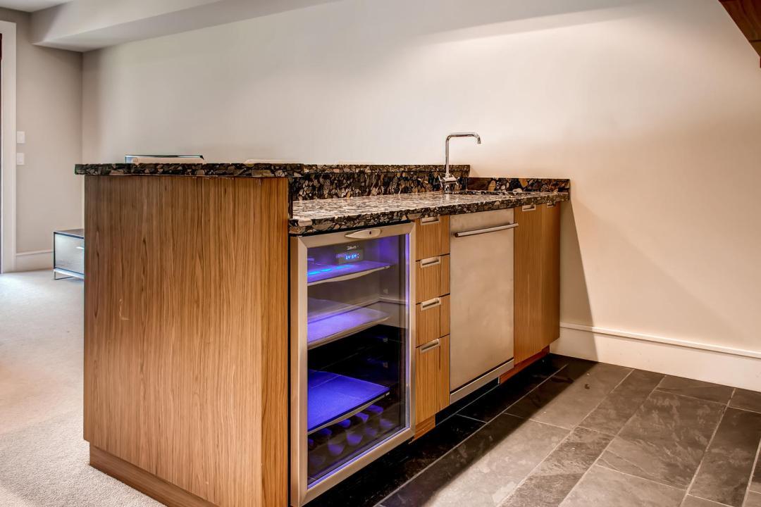 4 Bedroom Fitzsimmons Walk Whistler Luxury Rental (45)