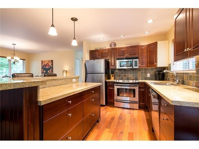 4 Bedroom Long Term Rental Whistler Gourmet Kitchen