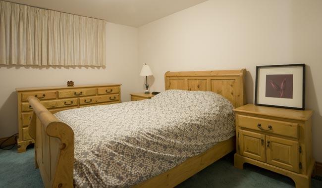 4941-Suite-Bedroom