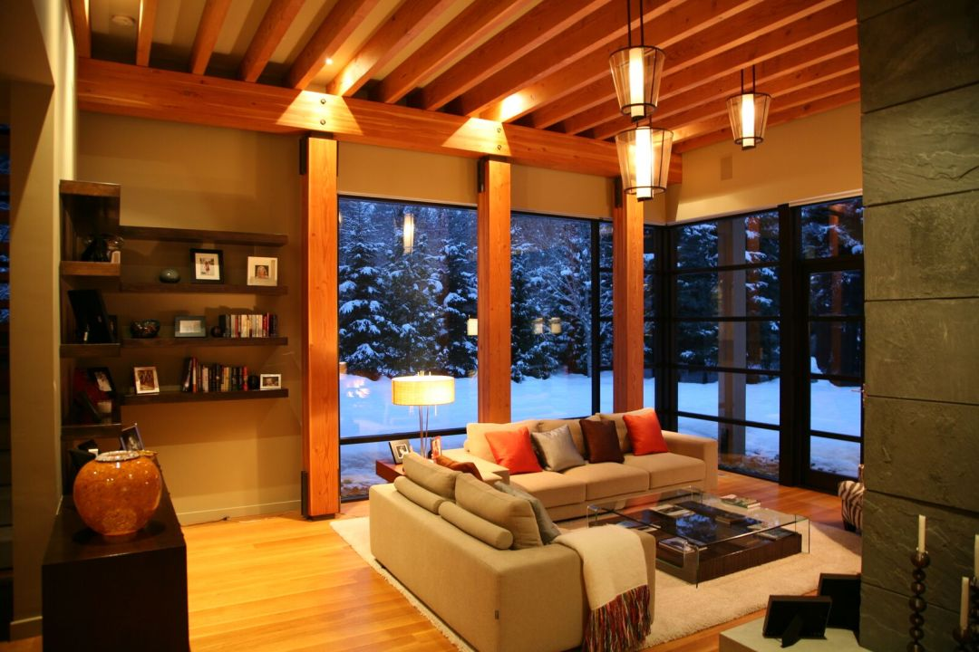 5 Bedroom Whistler home Living Rm