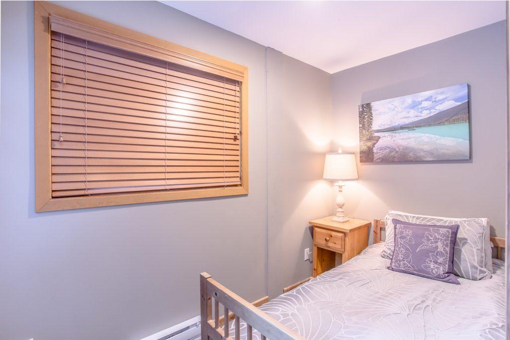 7 Bedroom Whistler Village Home (10)