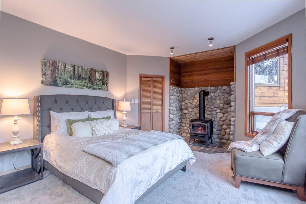 7 Bedroom Whistler Village Home (13)