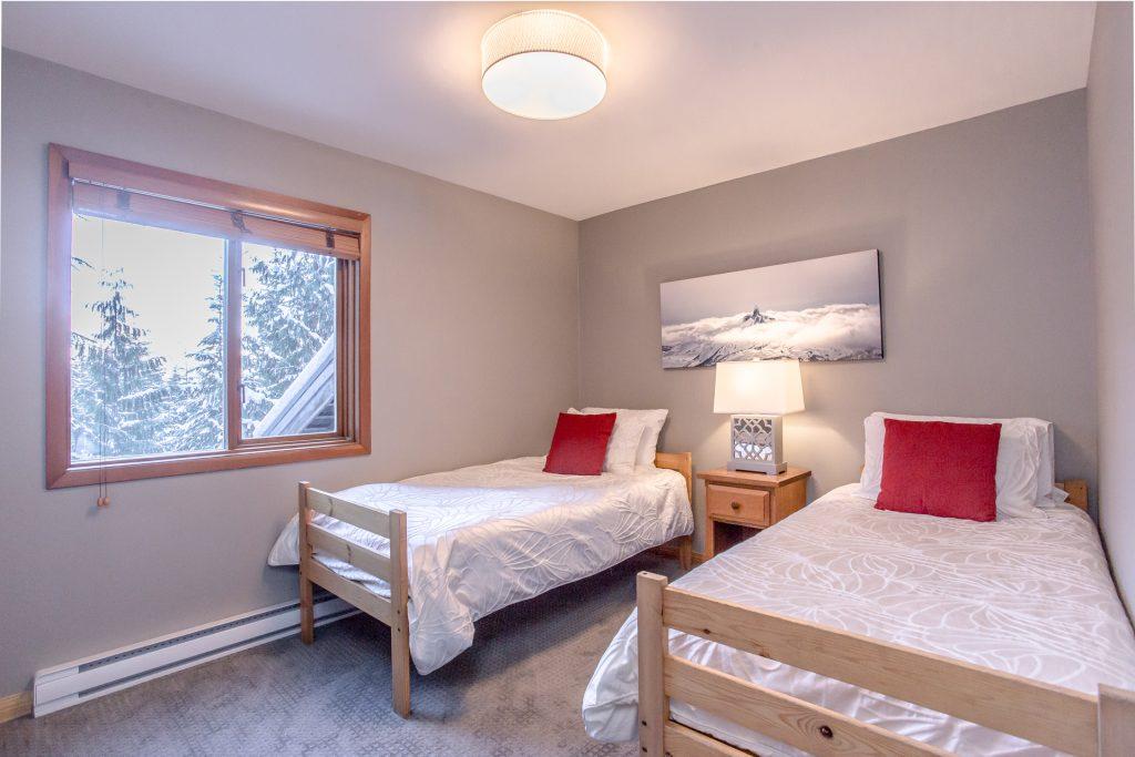 7 Bedroom Whistler Village Home (7)