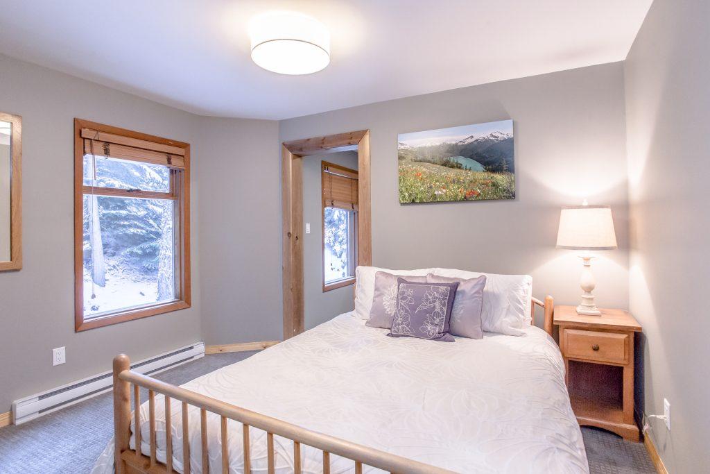 7 Bedroom Whistler Village Home (9)