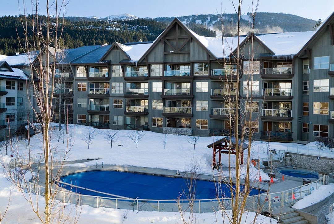 Aspens 1 Bedroom Unit 109 POOL2