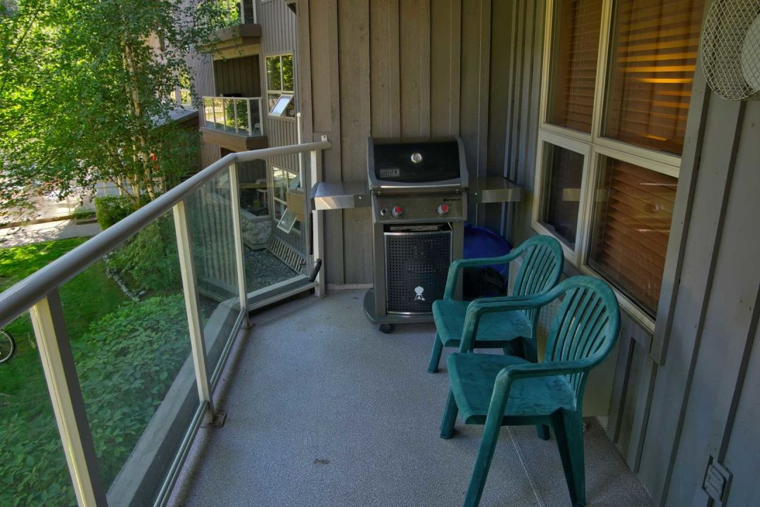 Aspens 1 Bedroom Unit 205 BBQ