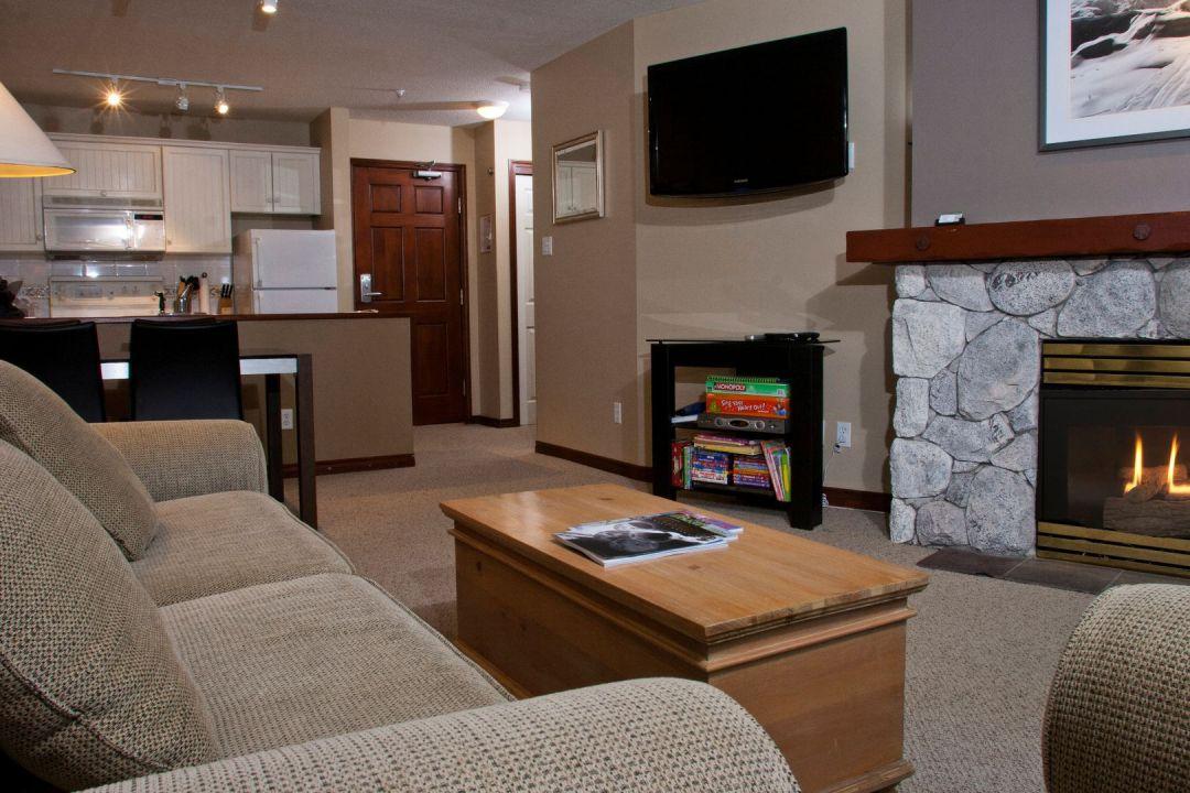 Aspens 1 Bedroom Unit 216 LR