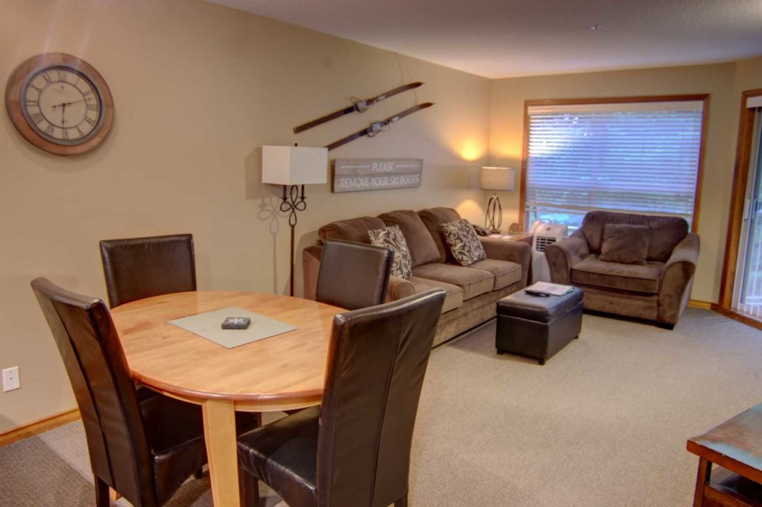Aspens 1 Bedroom Unit 228 DR