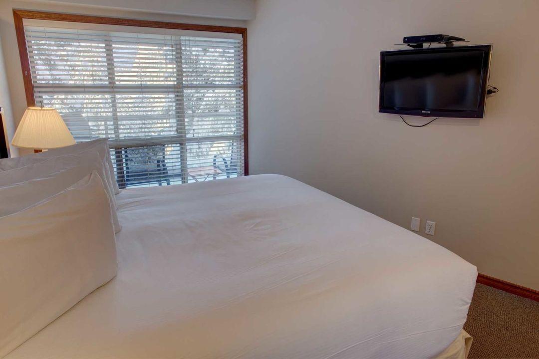 Aspens 1 Bedroom Unit 415 BR2
