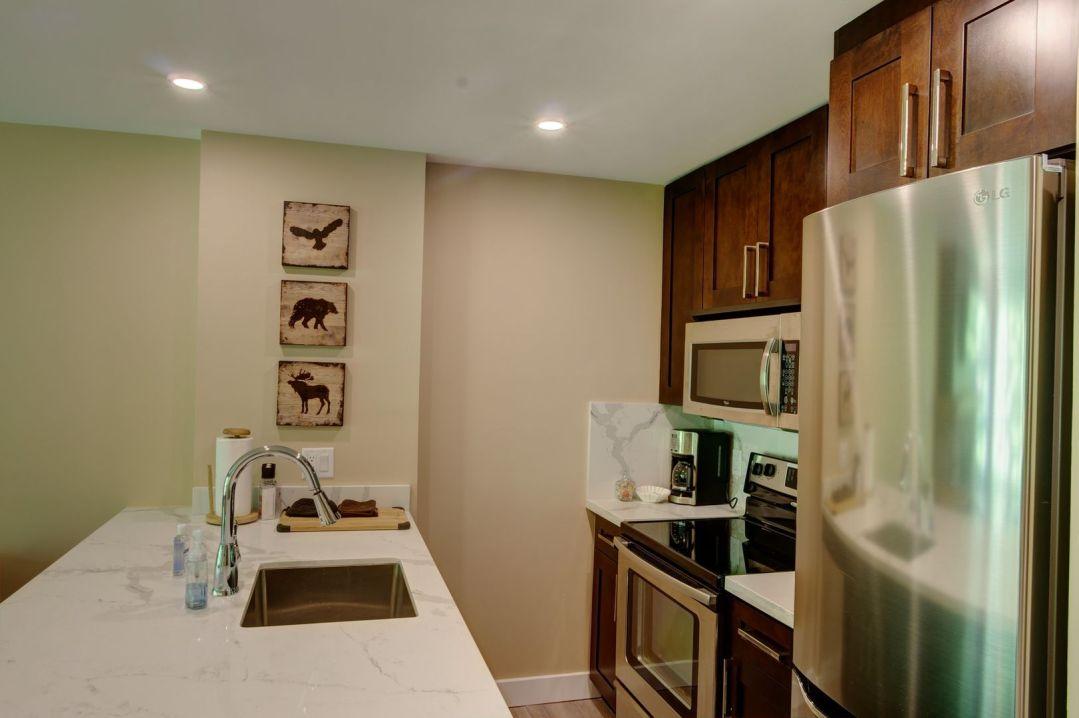 Aspens 1 Bedroom Unit 418 KIT2