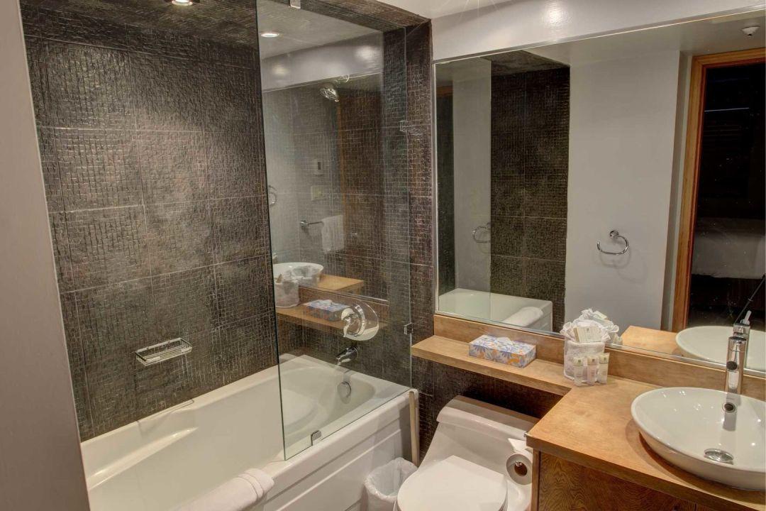 Aspens 2 Bedroom Unit 112 BATH