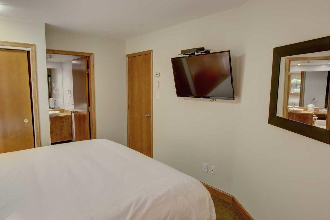 Aspens 2 Bedroom Unit 112 BR2