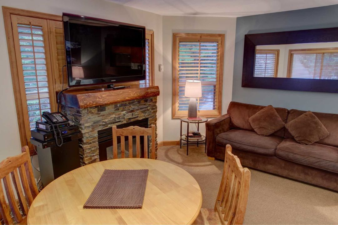 Aspens 2 Bedroom Unit 112 LR