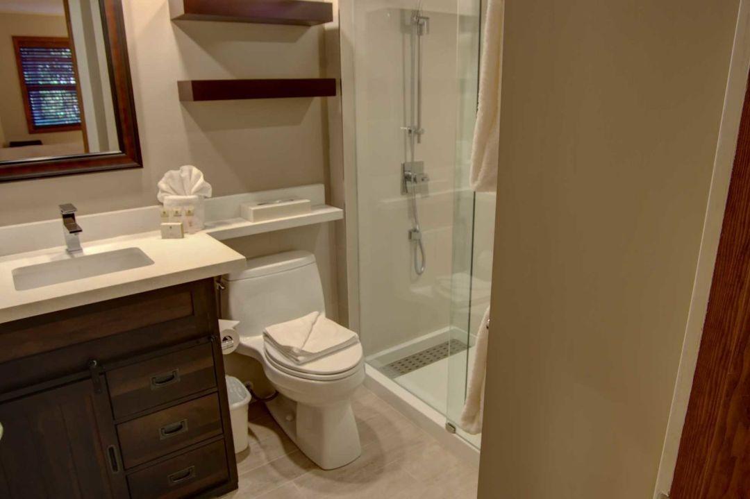 Aspens 2 Bedroom Unit 127 BATH