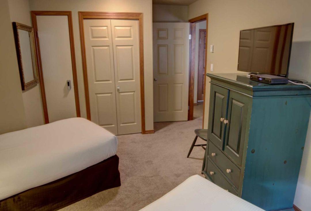 Aspens 2 Bedroom Unit 132 BR3