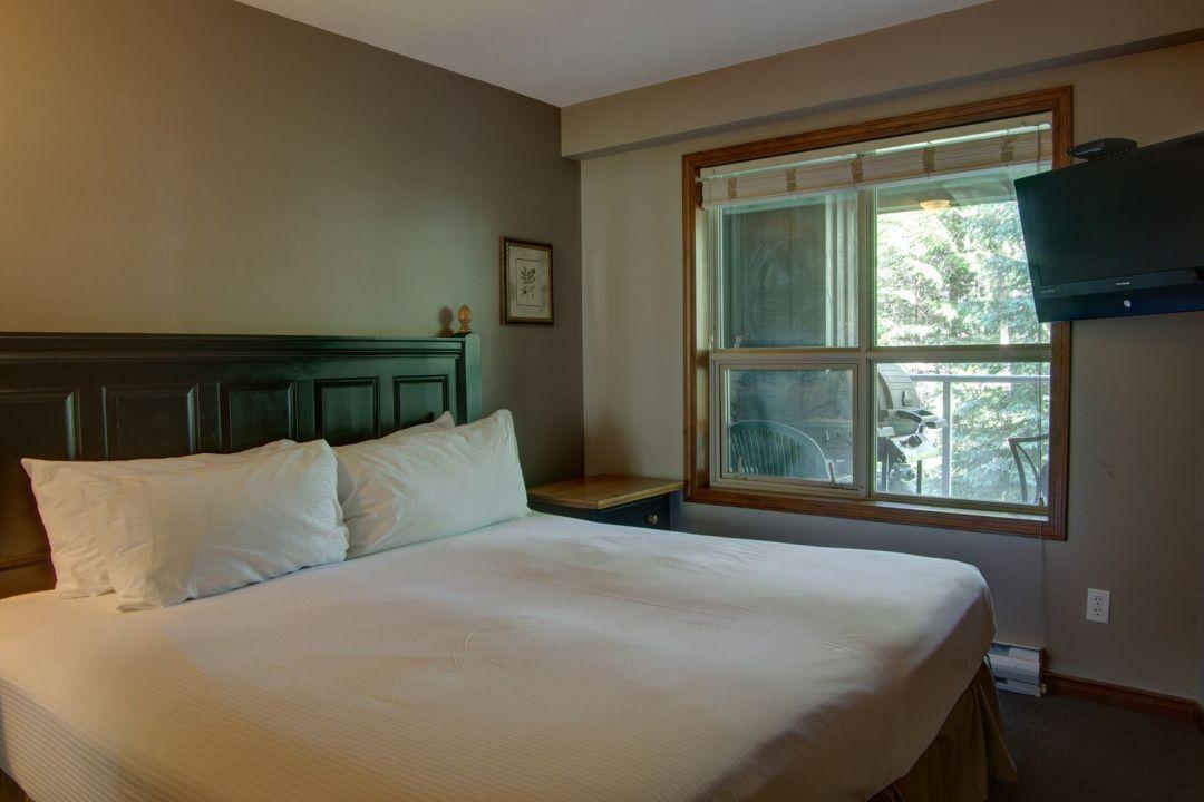 Aspens 2 Bedroom Unit 220 BR2