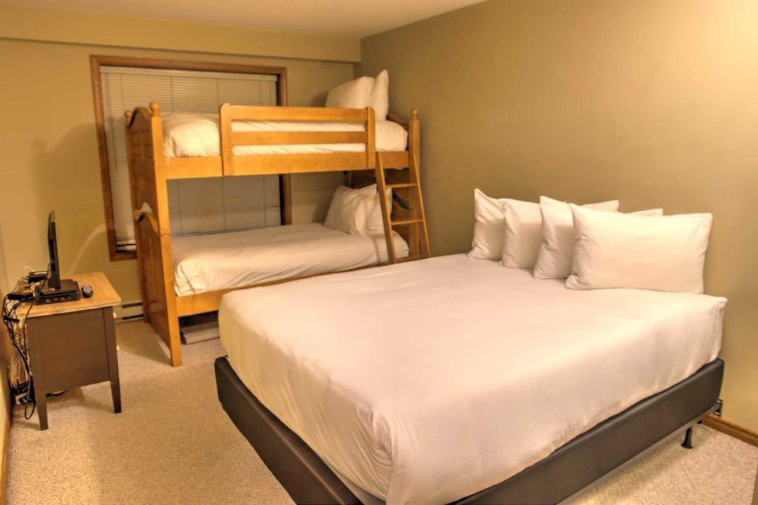 Aspens 2 Bedroom Unit 227 BR2